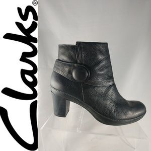 CLARKS ARTISAN 8.5 M BLACK LEATHER ZIP ANKLE BOOTS